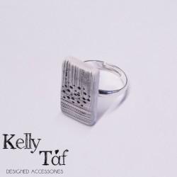 Δαχτυλίδι κεραμικό με ορθογώνιο μοτίφ